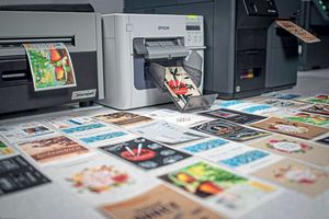Printing and labelling in colour