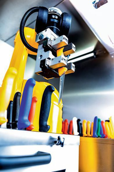 Robotics for perfectly sharpened knives